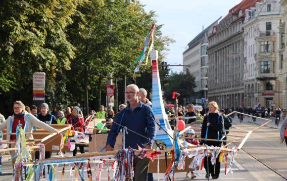 Gehzeugparade 2021 in Leipzig mit 105 Gehzeugen –mit Fotogalerie
